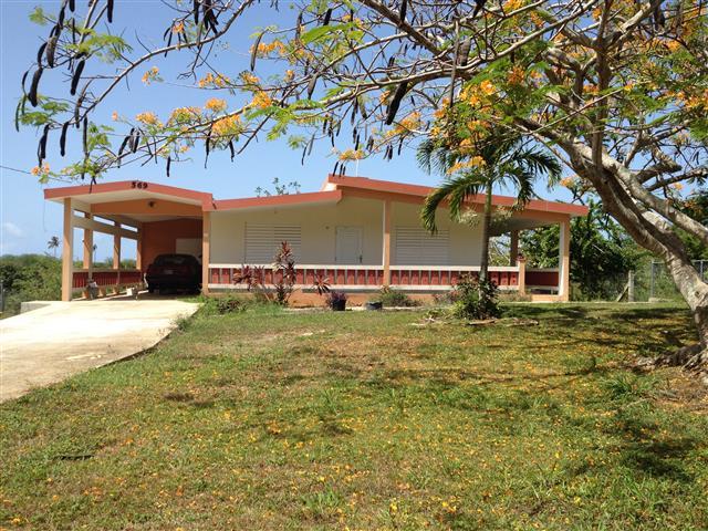 Quebradillas, Barrio San José – Casa con 3,048 MC ($225K)